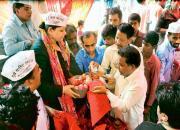 aap sells onion in delhi